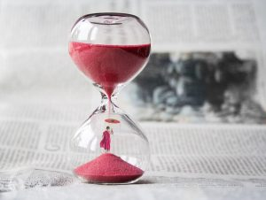 A pink hourglass.